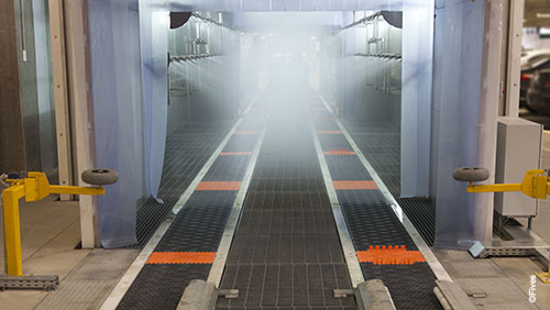 CFC Slat conveyor at shower exit