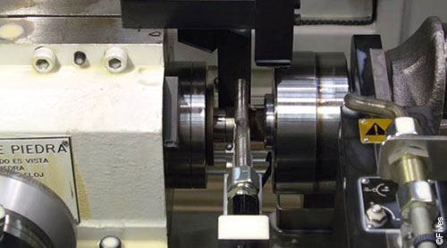 ID OD Cylindrical Grinding Closeup-FIVES