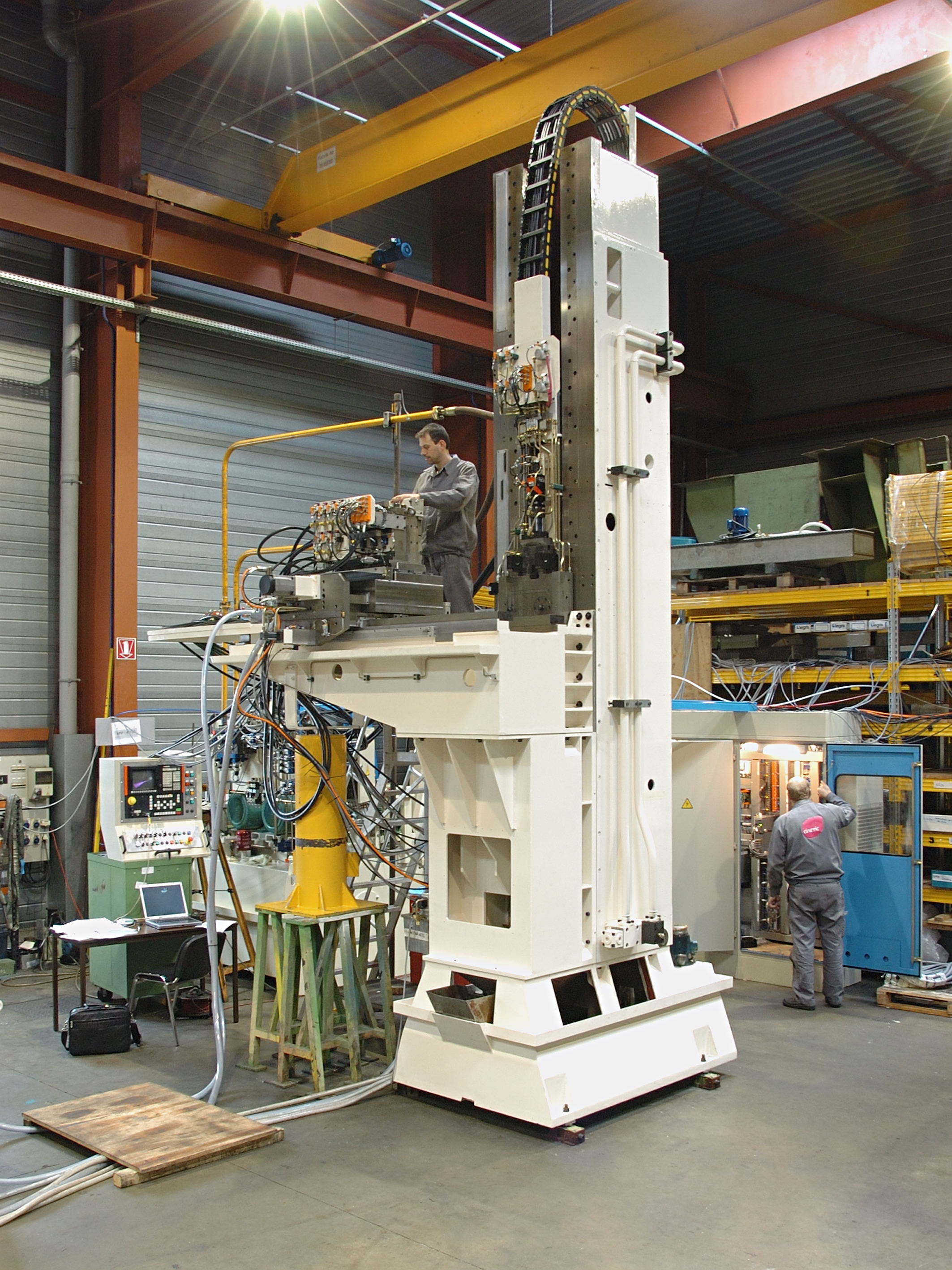 Vertical broaching machine-FIVES