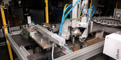 Laser welding lines Slideshow8 500x250 web @Fives-FIVES