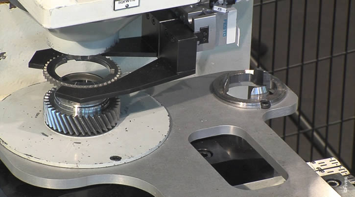 Manual transmission gear & synchrinizer before laser welding-FIVES